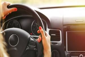 Τα αντικείμενα που δεν πρέπει να αφήνετε ποτέ μέσα στο αυτοκίνητο!