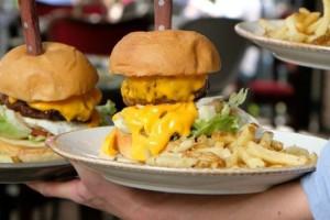 Που πρέπει να πας για να φας τα καλύτερα burger στην Αθήνα;