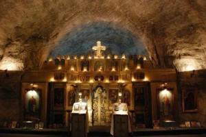 Ο εντυπωσιακός υπόγειος Ναός της Αγίας Βαρβάρας φτιαγμένος από αλάτι! (photos)