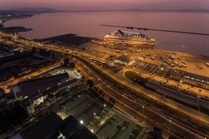 Πανικός στην Πάτρα: Πλοίο προσέκρουσε στο λιμάνι!