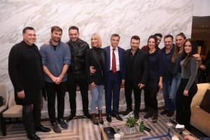 Mακρόπουλος,Νικολόπουλος,Πλούταρχος, Σαμπάνης,Οικονομόπουλος και άλλοι: Για ποιον ισχυρό άντρα ενώθηκε το πεντάγραμμμο!