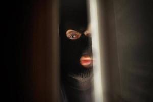 Πώς θα καταλάβετε αν το σπίτι σας παρακολουθείται από ληστές!