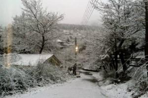 Η μισή Ελλάδα στα λευκά: Μοναδικές εικόνες, χιόνι μέχρι τη θάλασσα!