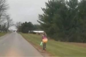 Θα πάθετε πλάκα: Το βίντεο ενός πατέρα που τιμώρησε την κόρη του επειδή έκανε bullying!