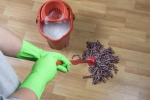 Ο τρόπος για να απαλλαγείτε άμεσα από την άσχημη μυρωδιά της σφουγγαρίστρας