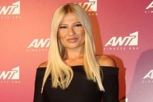 Κάντο όπως η Φαίη Σκορδά: Το total leather look της παρουσιάστριας που έκλεψε τις εντυπώσεις!