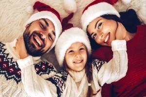 Ζώδια και Χριστούγεννα: Πώς τους αρέσει να απολαμβάνουν αυτές τις μέρες και ποια είναι η διάθεσή τους;
