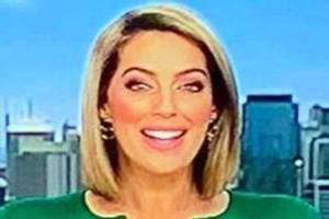 Απίστευτο: Παρουσιάστρια ειδήσεων εμφανίστηκε με ένα... πέος στο κεντρικό δελτίο! (photo)