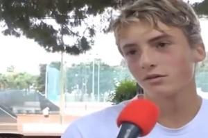 Όταν ο 10χρονος Τσιτσιπάς μιλούσε για το είδωλό του τον Φέντερερ! (video)