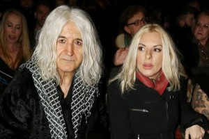 Ζευγάρι ξανά Νίκος Καρβέλας και Αννίτα Πάνια; Χώρισε και από τη νέα του σχέση!