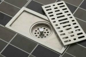 Πώς να κάνετε το σιφόνι του μπάνιου να μυρίζει τέλεια!