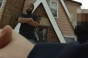 Πήρε το κινητό της κόρης του επειδή ήταν «κλειδωμένo» και εκείνη κάλεσε την αστυνομία!
