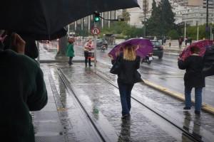 Βροχερός και συννεφιασμένος προβλέπεται ο καιρός σήμερα! - Άνεμοι έως 7 μποφόρ!