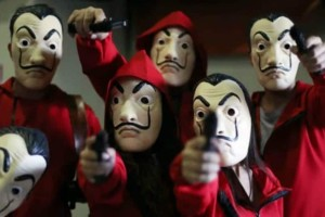 Οι μάσκες Νταλί φέρνουν...νομικά μπλεξίματα στο La Casa de Papel!
