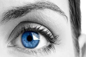 Έχεις γαλάζια μάτια; Δες τι μπορεί να πάθεις!