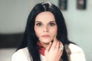 Σαν σήμερα στις 19 Ιανουαρίου το 1947 γεννήθηκε η Έλενα Ναθαναήλ