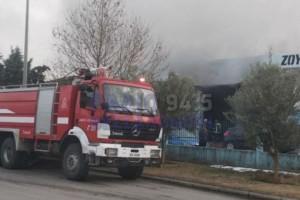 Μεγάλη φωτιά σε βιομηχανία στη Σίνδο!