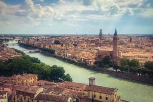 Βερόνα: Ιδανική απόδραση για ερωτευμένους! - Ξενάγηση στην πόλη που ταυτίζεται µε τον ρομαντισμό και τις ιστορίες αγάπης!