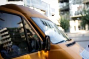 Μαθητής σωτήρας στην Κορώνη: Οδηγός σχολικού λιποθύμησε και εκείνος πάτησε το φρένο!