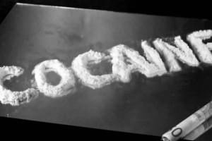 Κολωνάκι: Τι είπε στην απολογία του πασίγνωστος Έλληνας παρουσιαστής για το κύκλωμα κοκαΐνης;