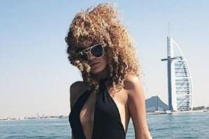 """Μοντέλο κάνει """"περήφανη"""" την μάνα της.. πουλώντας την παρθενιά της έναντι 2,3 εκατ. ευρώ!"""