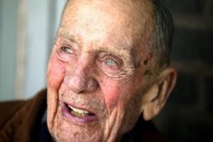 Αυτός ο 98χρονος ξόδεψε την περιούσια 2.000.000 ευρώ με αυτό το τρόπο!