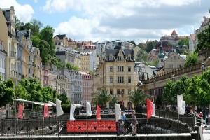 Κάρλοβι Βάρι: Η παραμυθένια λουτρόπολη της Τσεχίας! - Ένα μέρος που πρέπει να επισκεφθείς!