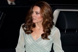 Το φόρεμα 1800 ευρώ της Κέιτ Μίντλετον ''εξαφάνισε'' το σύνολο της Μέγκαν Μαρκλ αξίας 100.000 ευρώ!