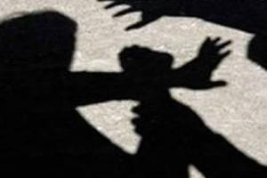 Σοκ στην Τρίπολη: Ξυλοφόρτωσε τη γυναίκα του μπροστά στα μάτια του ανήλικου παιδιού του!