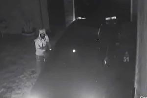 """Κουκουλοφόροι """"σήκωσαν"""" αυτοκίνητο μέσα σε 40 δευτερόλεπτα! (video)"""