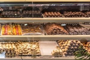 Αυτά είναι τα 10 καλύτερα μαγαζιά με σοκολατάκια στην Αθήνα!