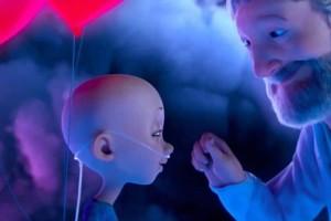 Ένα υπέροχο βίντεο για τον παιδικό καρκίνο αποδεικνύει πως η αγάπη είναι το πιο ισχυρό φάρμακο!