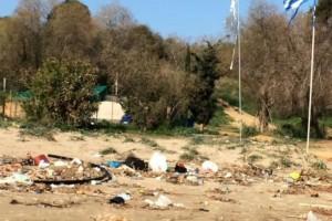 Κρήτη: Η κακοκαιρία μετέτρεψε τις παραλίες σε σκουπιδότοπο!