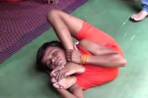 Δεκάχρονος «τερμάτισε» τη γιόγκα και πάει «καρφί» για Γκίνες!