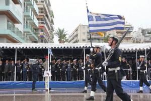 Η μπάντα του Πολεμικού Ναυτικού παίζει το «Μακεδονία ξακουστή»! (Video)