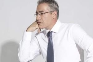 Νίκος Μάνεσης: Πανικός με τον παρουσιαστή!