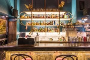 ΜΑΙ ΤΑΙ ΑΘΕΝS – Αναβίωση του ιστορικού μπαρ στο Κολωνάκι