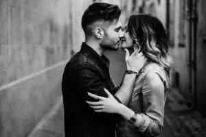 Πως αντιδρά το κάθε ζώδιο όταν ερωτεύεται;