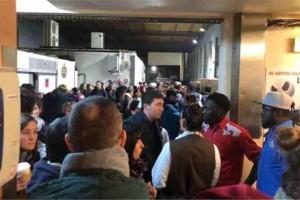 Γαλλία: Εκκενώθηκε η Eurodisney - Εντολή στους τουρίστες να μείνουν στα ξενοδοχεία τους!