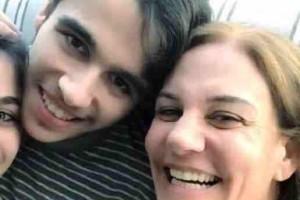 «Είμαι μάνα του Γιάννη. Είναι αυτιστικός. Και αυτή είναι η ζωή μας»
