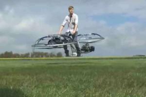 Αδιανόητο: Το πρώτο ιπτάμενο μοτοσακό στην ιστορία του πλανήτη