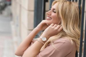 Κωνσταντίνα Σπυροπούλου: Η παρουσιάστρια ποζάρει μόνο με την πετσέτα και «γκρεμίζει» το διαδίκτυο!