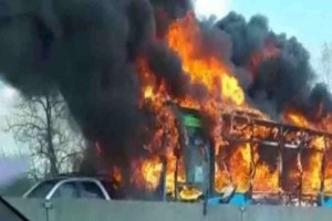Συναγερμός στο Μιλάνο: Οδηγός λεωφορείου έβαλε φωτιά σε σχολικό με 51 παιδιά!