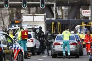 Τρομοκρατική επίθεση στην Ολλανδία: Άνδρας πυροβόλησε κατά επιβατών σε τραμ! - Τουλάχιστον ένας νεκρός! (Video)