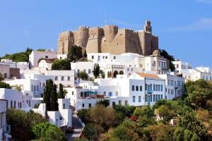 Αυτοί είναι οι 10 καλύτεροι ελληνικοί προορισμοί για ένα μαγευτικό Πάσχα! - Εσύ ποιον θα διαλέξεις;
