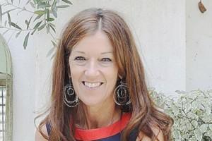 Βικτόρια Χίσλοπ: Το νέο βιβλίο μας ταξιδεύει στη Μακρόνησο!