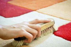 Καθαριότητα στο σπίτι: Έτσι θα αφαιρέσετε 17 λεκέδες από το χαλί!