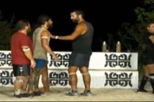 Survivor Ελλάδα Τουρκία: Απίστευτος τσακωμός! - Αναγκάστηκαν να τους χωρίσουν! (Video)
