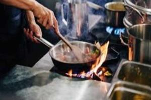 Τι πρέπει να κάνεις αν κάψεις το τηγάνι με λάδι;