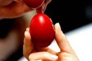 Τσούγκρισμα αυγών: Τι συμβολίζει;